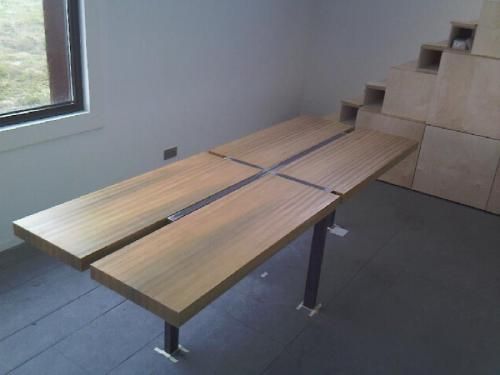 vaste tafel met 4 delig blad
